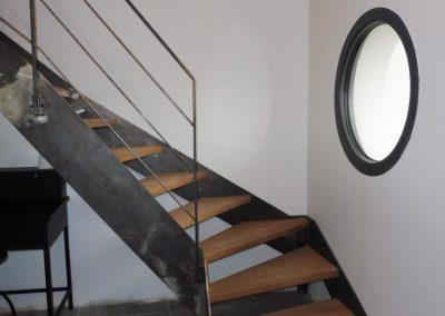 escaliers-suspendus-treppenmeister-limon-plat